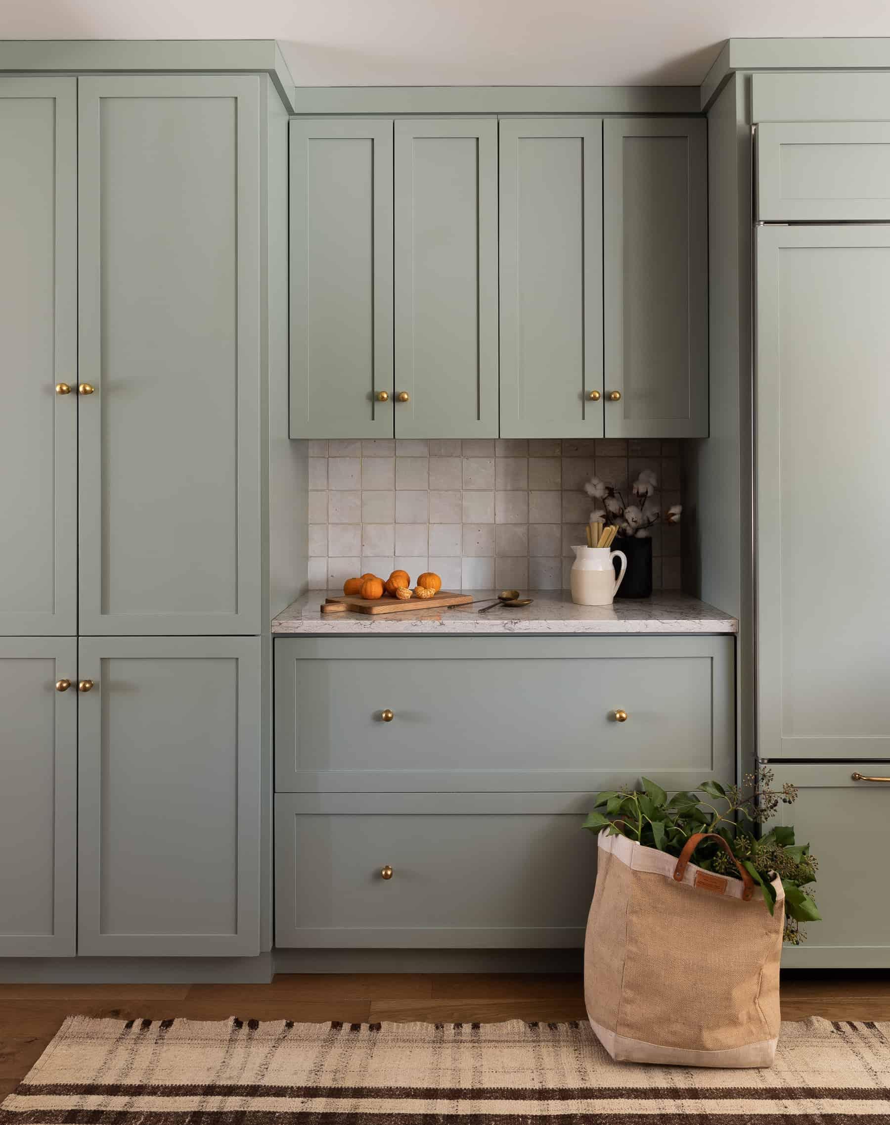 Modern Classic Kitchen Design: Heidi-Caillier-Design-Seattle-interior-designer-Olympic